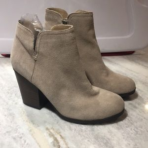 Kenneth cole boots for women size 8 1/2 medium-New